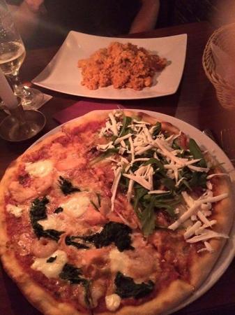 Cafe Via Nova: Mixed-Pizza und Rissotto Pollo