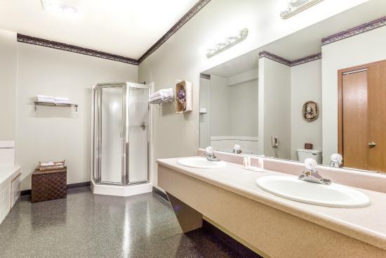 Ellensburg, WA: Suite Bathroom