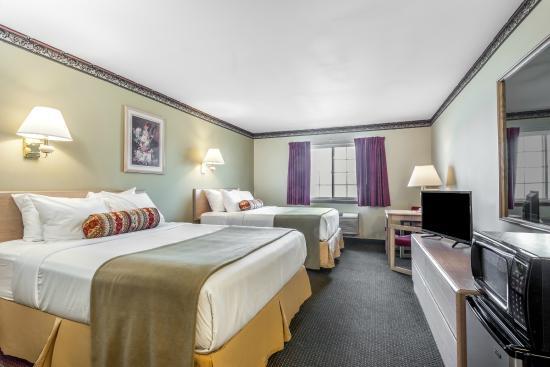 Ellensburg, WA: 2 Queen Bed Room
