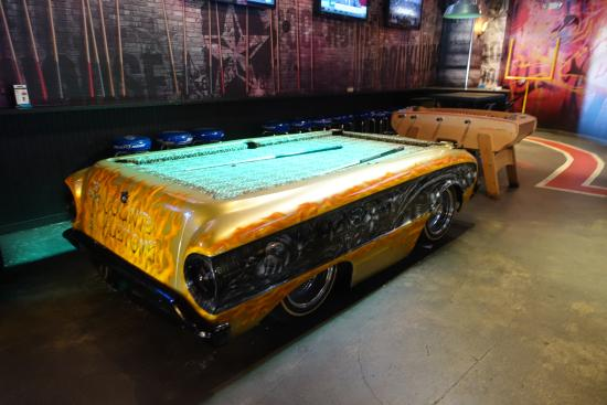 The Rockhouse Bar: Cool Pool Table