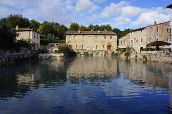 Bagno Vignoni-cool little hot springs town nearby - Picture of La ...