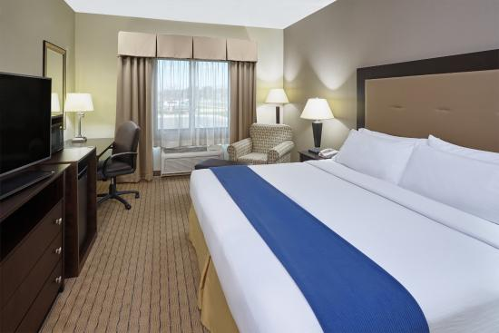 Verona, WI: ADA/Handicapped accessible King Guest Room