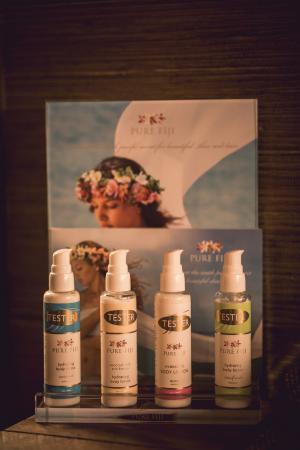 Waiheke Island, Nya Zeeland: Zen stocks Pure Fiji products