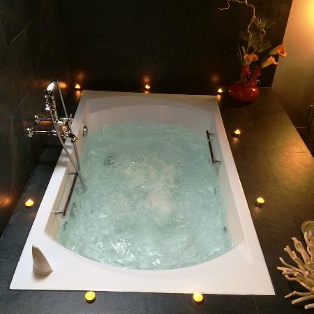 Iribarnia Hotel Rural: Bañeras para 2 personas.