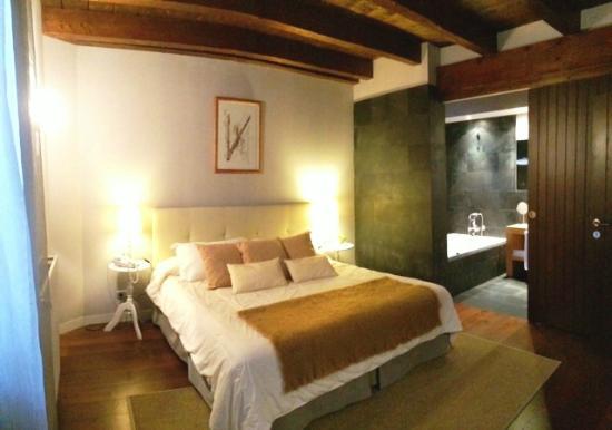 Iribarnia Hotel Rural: Habitación doble superior.