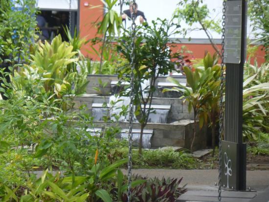 Quatre Bornes: water fountain in central walk way