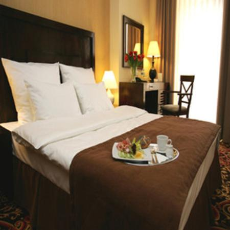 Hotel Columbus: Standard King Size Guest Room