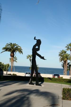 Museum of Contemporary Art San Diego : Hamer away