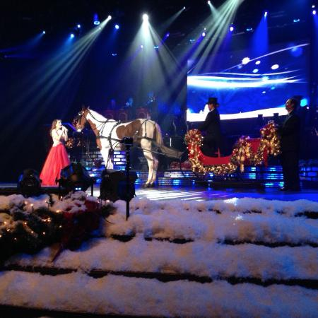 christmas show at the carolina opry