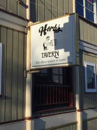 Herb's Tavern: photo0.jpg