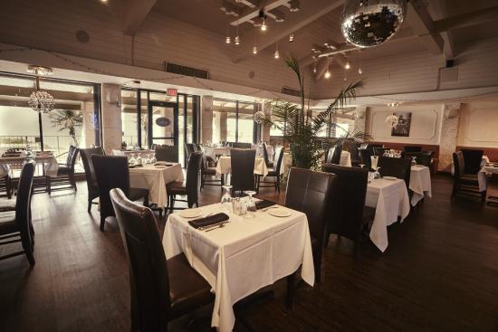 Interior - Blue Bar Grill: *