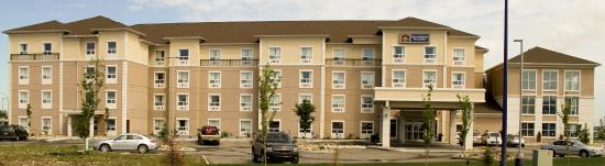 BEST WESTERN PLUS South Edmonton Inn & Suites: Hotel Exterior