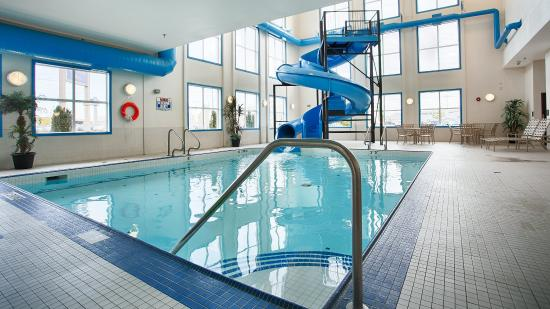 BEST WESTERN PLUS South Edmonton Inn & Suites: Pool