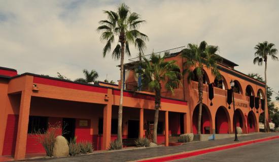 Todos Santos, Messico: Originally built in 1947. We love this hotel & unique town.