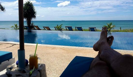 Anda Lay Boutique Resort: View from pool sunlounger