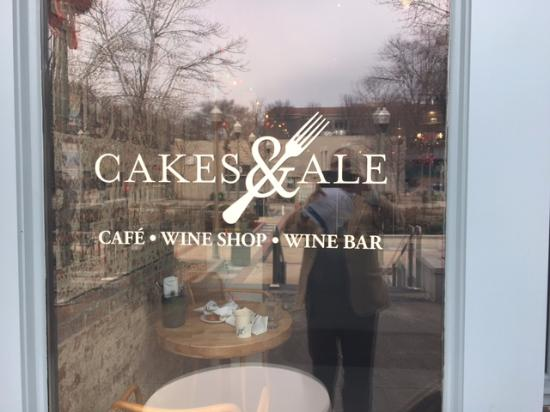 Cakes and Ale Restaurant and Bar: A great place on the Decatur Square