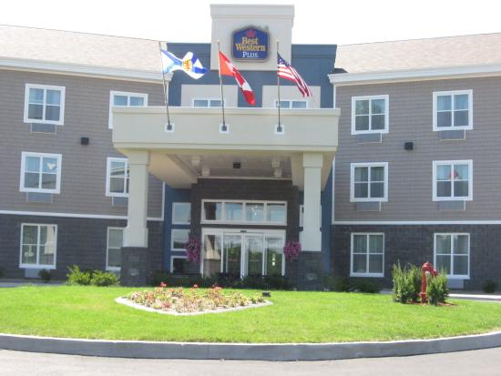 BEST WESTERN PLUS Bridgewater Hotel & Convention Centre: Exterior