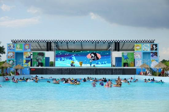 Jomtien Beach, Thailand: สระว่ายน้ำใหญ่
