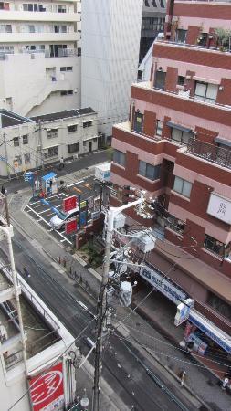 Nishitetsu Inn Shinsaibashi: View from our room. Main street.