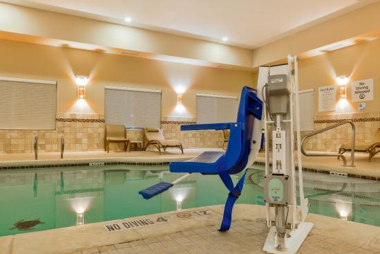 Άλπαϊν, Τέξας: Convenient Pool Lift