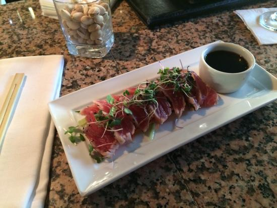 Sarento's on the Beach - Maui: Seared ahi