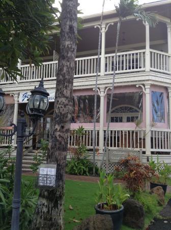 The Plantation Inn: Front entrance