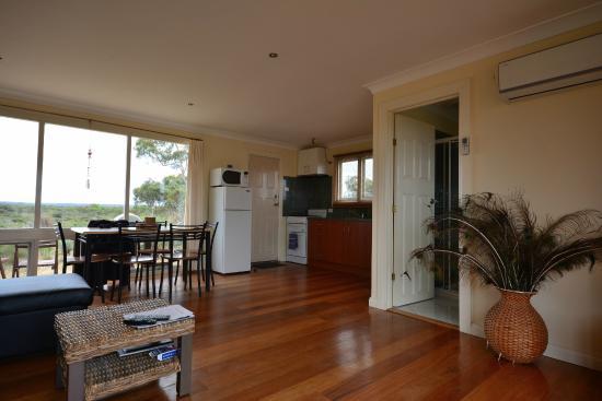 Kangaroo Island Bush Getaway : Kitchen