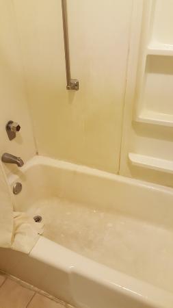 Regency Inn of Oxford: Bath tub