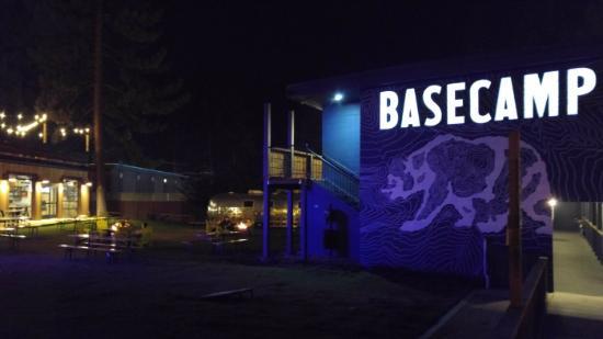 Basecamp South Lake Tahoe: Basecamp at night