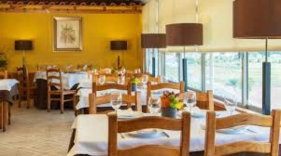 Restaurante Manjar da Helena: Panorâmica de um canto da Sala.