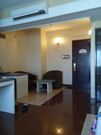 Ruang Tamunyaa Picture Of Hotel Oval Surabaya Tripadvisor