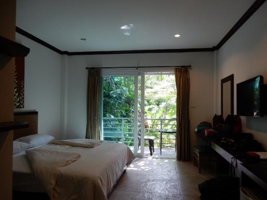 Phu Kamala Suites: chambre