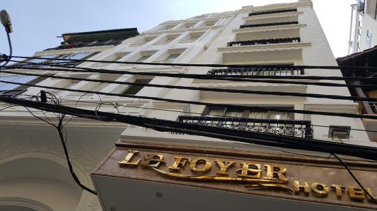 Le Foyer Hotel Hanoi Reviews : Bên ngoài khách sạn picture of lefoyer hotel hanoi
