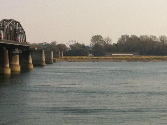 China and North Korea Friendship Bridge: 北朝鮮