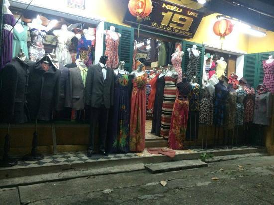19 Le Loi Clothes Shop