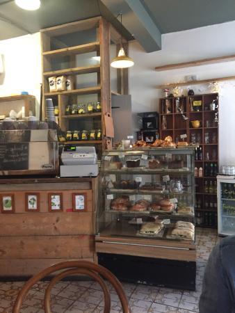 Curious Yellow Kafe'