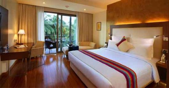 Novotel Goa Candolim: rooms to the back of the hotel