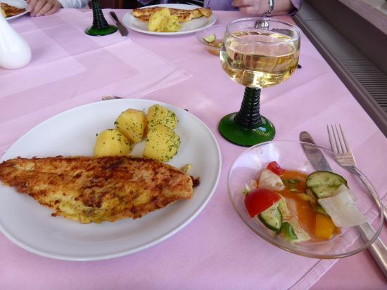 Restaurant Zum Goldenen Löwen: 料理