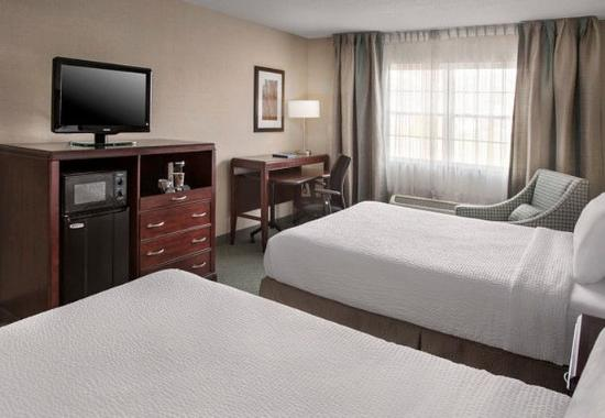 Fairfield Inn & Suites Lenox Great Barrington/Berkshires: Queen/Queen Guest Room