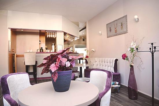 Restaurant La Boussole: Petit Salon Cosy