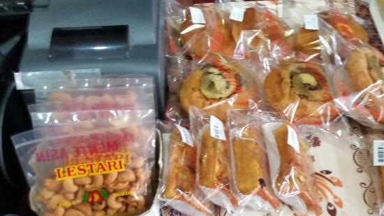 Chandra Bakery
