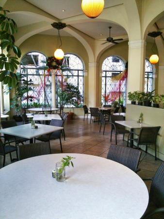 Cafe Julia, DSC_9466-01_large.jpg