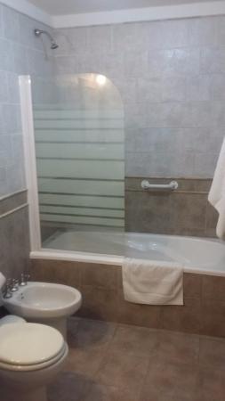 Hosteria Kallfu: baño hab twin