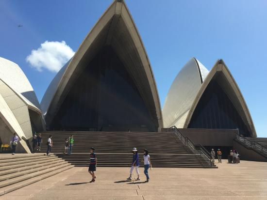 Sydney Opera House Right At the Front Door & Right At the Front Door - Picture of Sydney Opera House Sydney ... pezcame.com