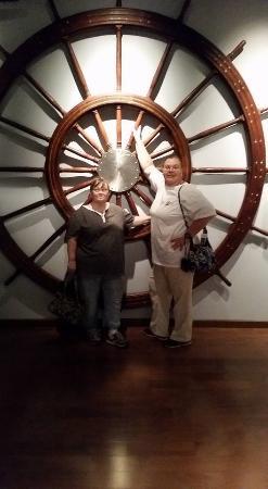 Charleston, Virginia Barat: big ship wheel me and allison
