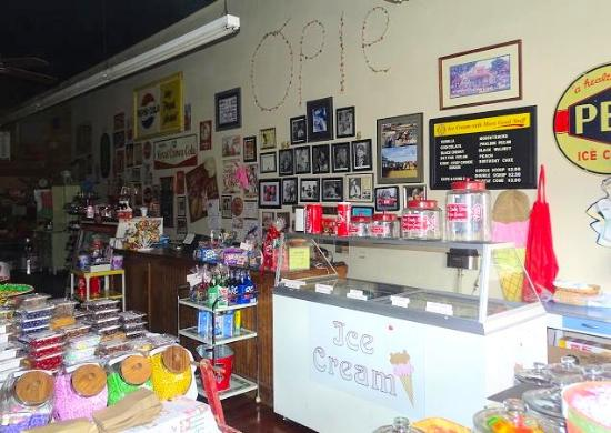 Opies Candy Store: inside
