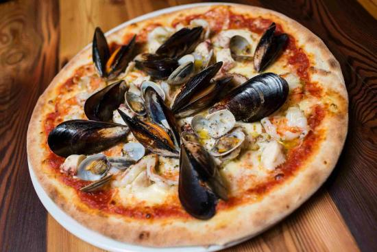 Cermes, إيطاليا: pizza
