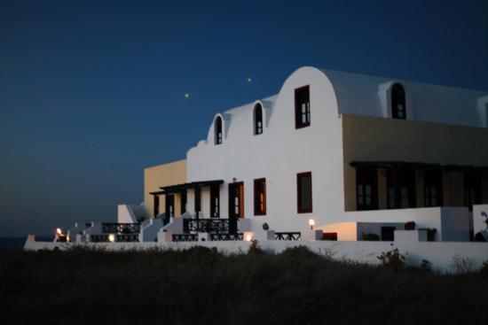 Vrachia Studios - Apartments: Под покровом ночи