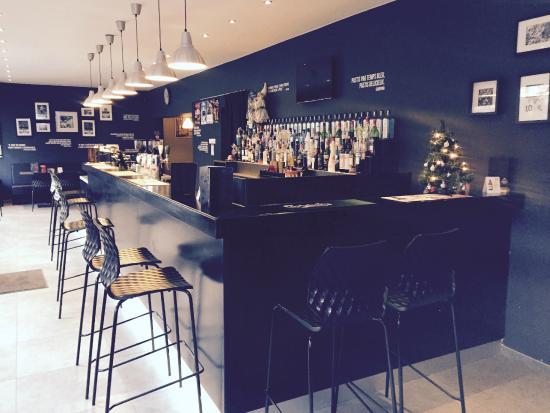 Fleurus, Belgien: Bar