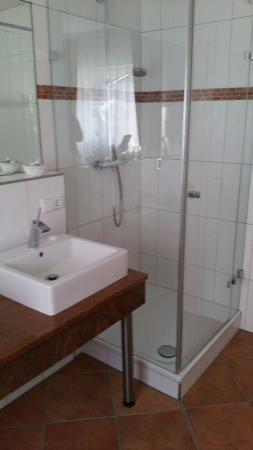 Rheinmuenster, Duitsland: Bad mit Dusche